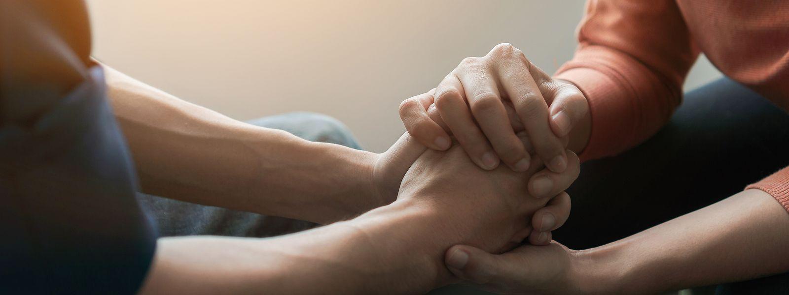 Wie erkennt man psychische Probleme bei seinen Mitmenschen - und wie sollte man reagieren? In Erste-Hilfe-Kursen werden Bürger nun auch in Bezug auf den Umgang mit psychischen Erkrankungen geschult.