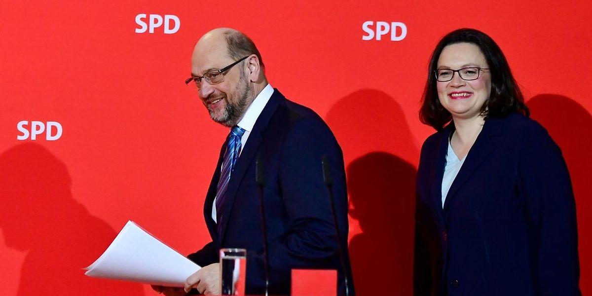 Er geht, sie kommt ... Nahles folgt auf Schulz.