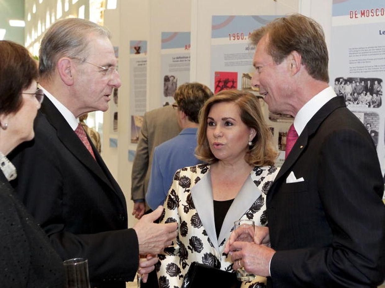 IOC-Präsident Jacques Rogge im Gespräch mit dem großherzoglichen Paar.