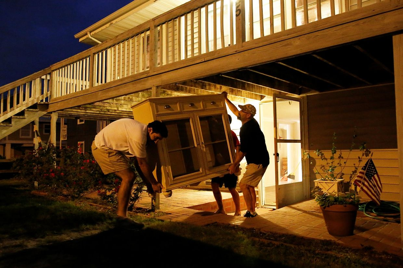 Mehrere US-Bundesstaaten, darunter South Carolina, riefen den Notstand aus. Etwa eine Million Menschen verließen ihr Haus.