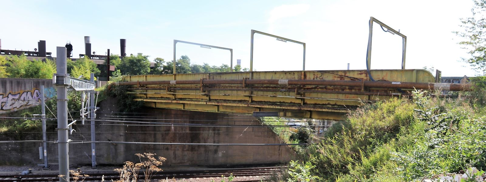 In Differdingen wird diese Brücke durch ein neues Bauwerk ersetzt.