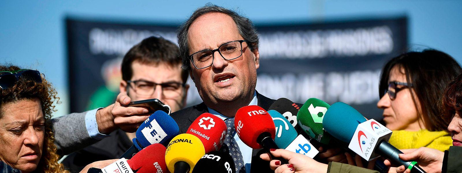 Quim Torra, presidente do Governo regional catalão, falando após visitar os dirigentes separatistas na prisão.