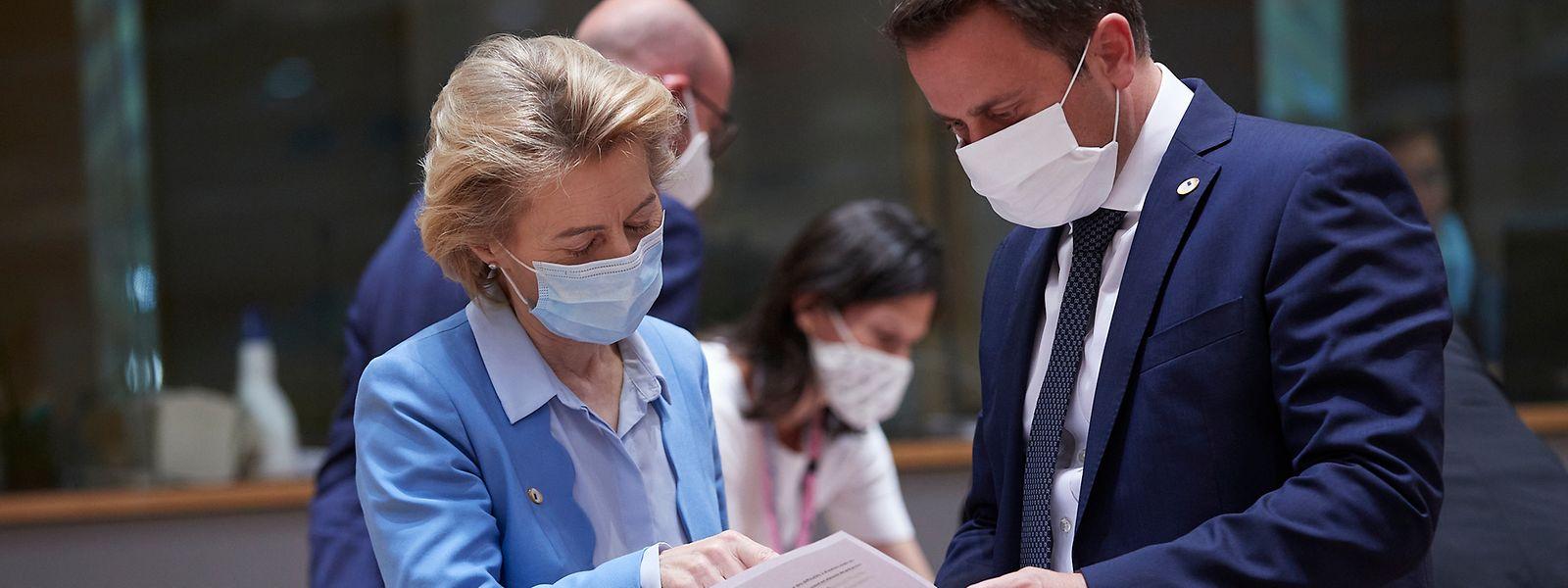 EU-Kommissionspräsidentin Ursula von der Leyen und Luxemburgs Regierungschef Xavier Bettel.