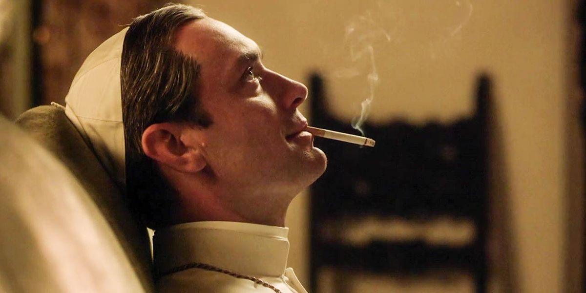 """Weißer Rauch: Jude Law spielt """"The Young Pope""""."""