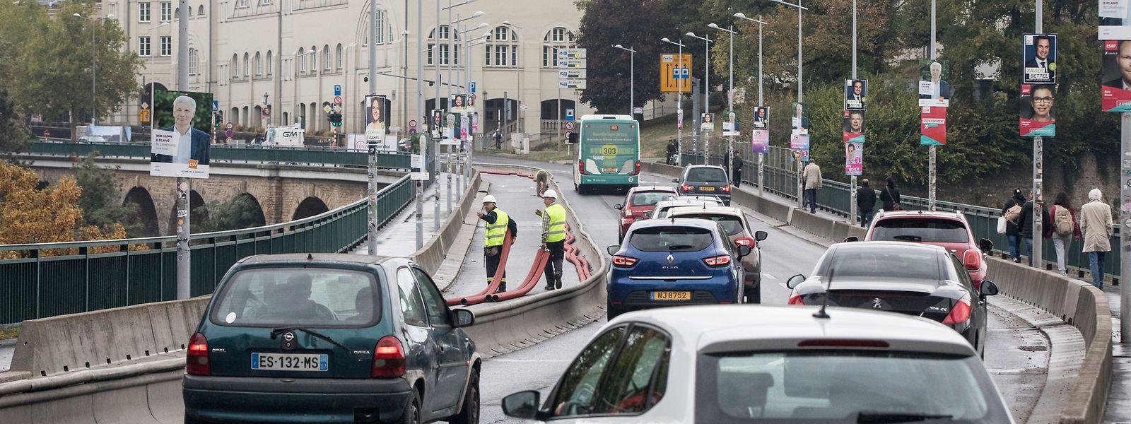 Am Montag wurde die Baustelle aufgenommen. Für die Verbreiterung der Brücke sind 411 Werktage vorgesehen.