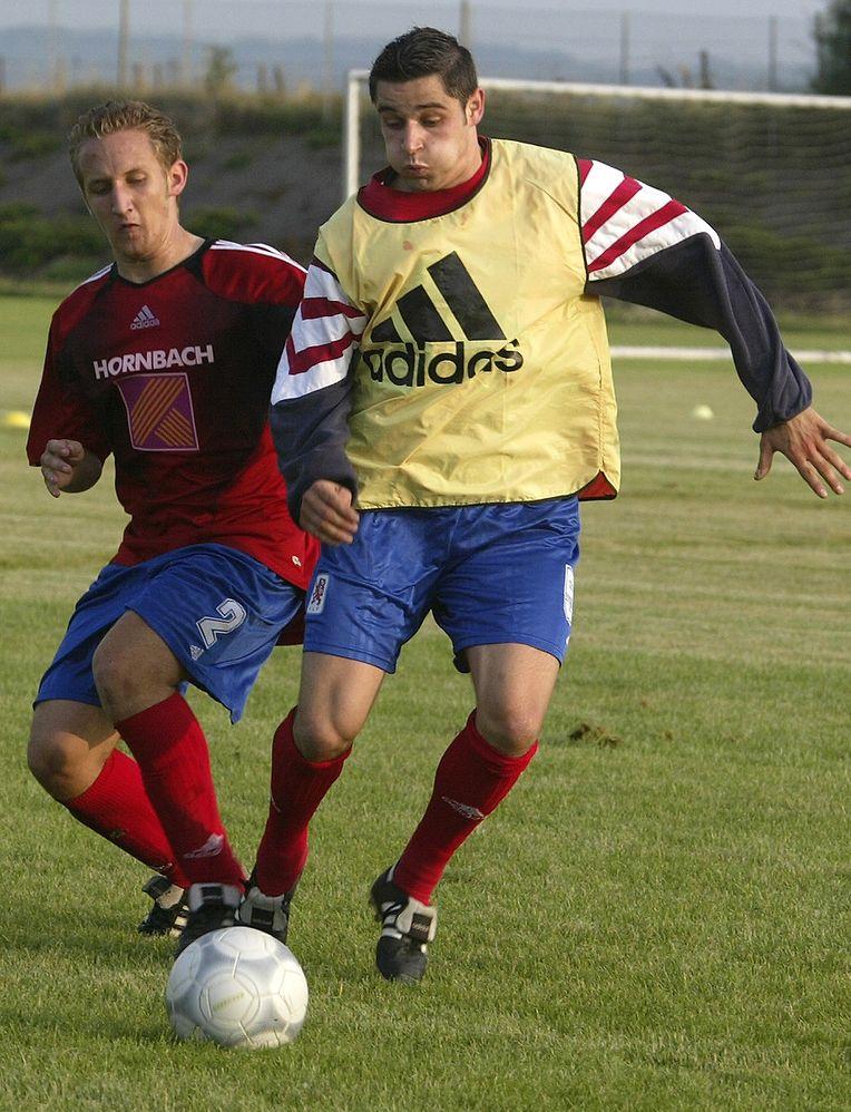 Mario Mutsch im Jahr 2005 kurz vor seinem Länderspieldebüt.���������������������������������������������������������������������������������������������������������������������������������������������������������������������������������������������������������������������������������������������������������������������������������������������������������������������������������������������������������������������������������������������������������������������������������������������������������������������������������������������������������������������������������������������������������������������������������������������������������������������������������������������������������������������������������������������������������������������������������������������������������������������������������������������������������������������������������������������������������������������������������������������������������������������������������������������������������������������������������������������������������������������������������������������������������������������������������������������������������������������������������������������������������������������������������������������������������������������������������������������������������������������������������������������������������������������������������������������������������������������������������������������������������������������������������������������������������������������������������������������������������������������������������������������������������������������������������������������������������������������������������������������������������������������������������������������������������������������������������������������������������������������������������������������������������������������������������������������������������������������������������������������������������������������������������������������������������������������������������������������������������������������