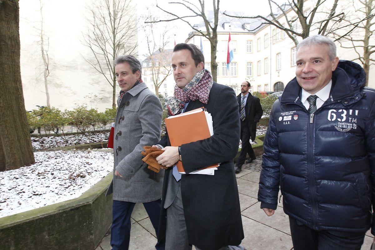 Die Minister Claude Meisch, Xavier Bettel und Dan Kersch stellten den Kommissionen die neue Konvention vor.