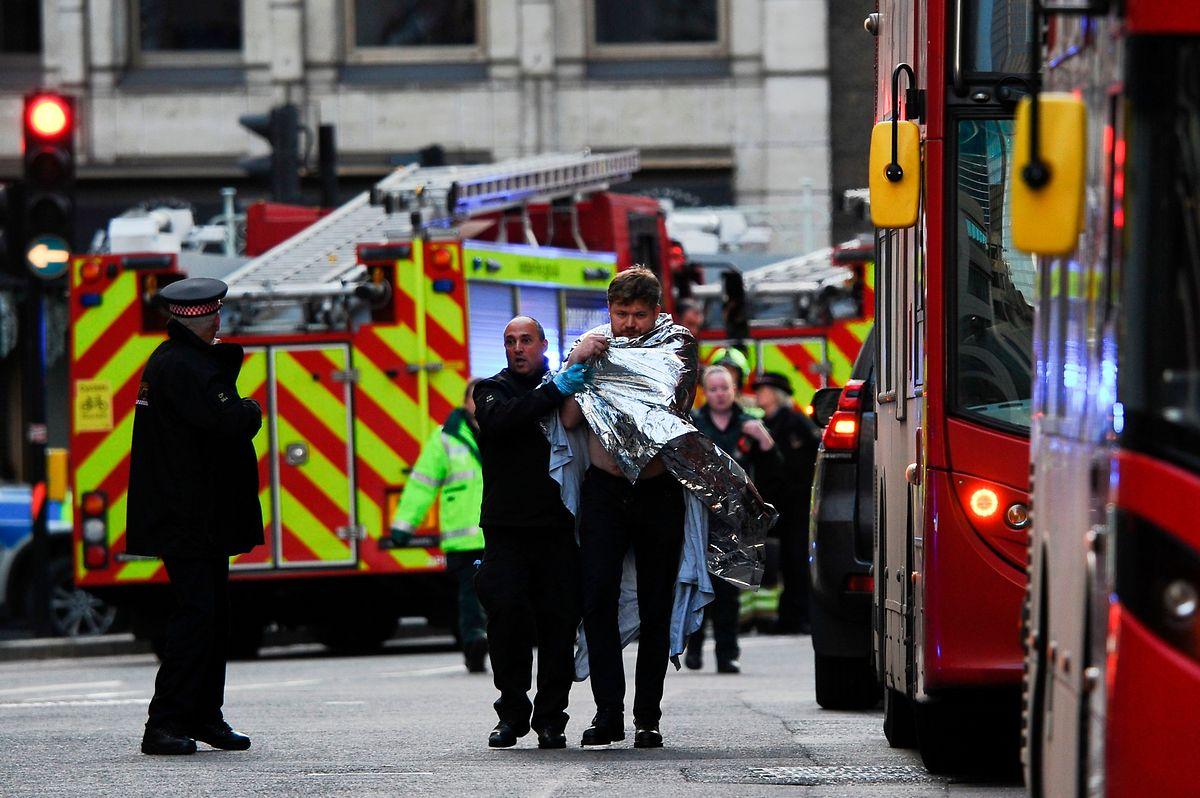 Die Sicherheitskräfte lobten den heldenhaften Einsatz einiger Passanten.