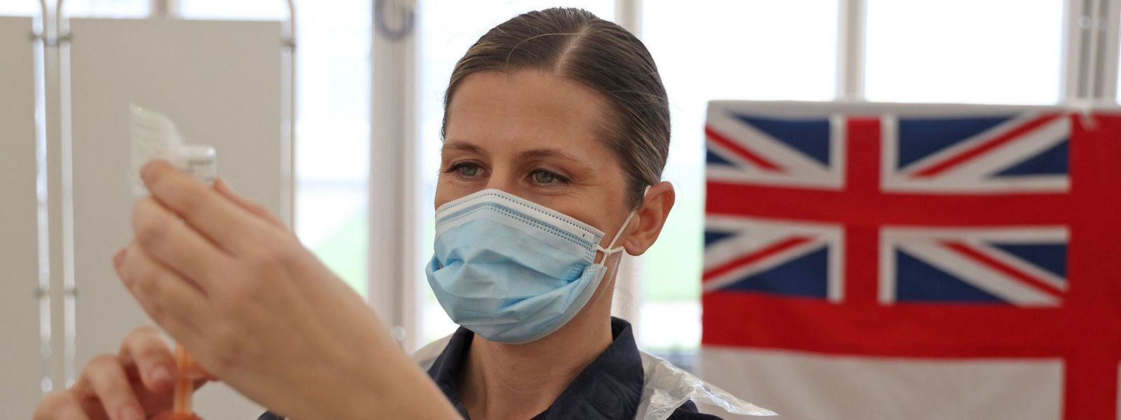 Le Royaume-Uni a été le premier pays à engager sa campagne vaccinale avec la formule développée par l'Université d'Oxford et la firme AstraZeneca.