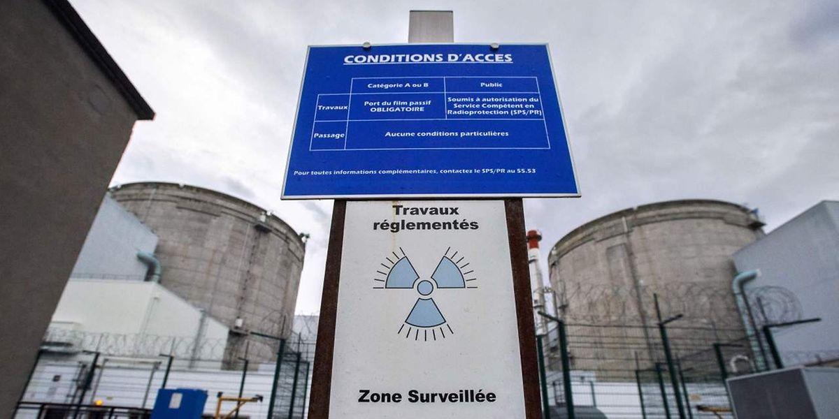 """La centrale nucléaire de Fessenheim, mise en service en 1977 et toute proche de la frontière avec l'Allemagne et la Suisse, devrait """"être fermée le plus vite possible"""", a déclaré vendredi un porte-parole de la ministre allemande de l'Environnement Barbara Hendricks, sociale-démocrate."""