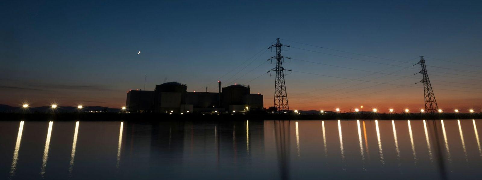 Malgré des renforcements de leur sécurité, les anciennes centrales (Tihange et Doel, par exemple) sont loin d'être protégées pour la chute d'un appareil.
