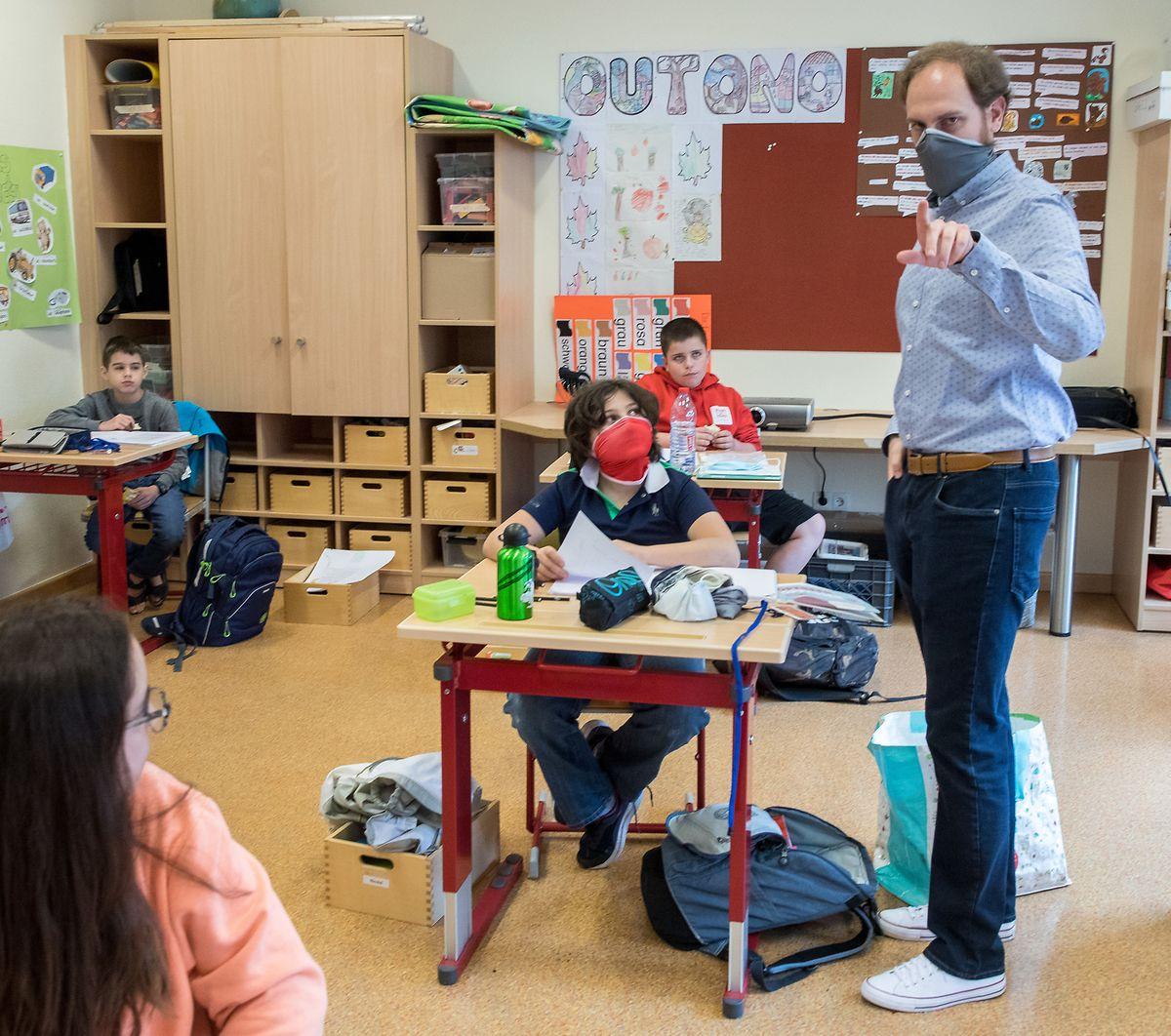 Eine neue Erfahrung: Lehren und lernen mit der Mundschutz-Maske.
