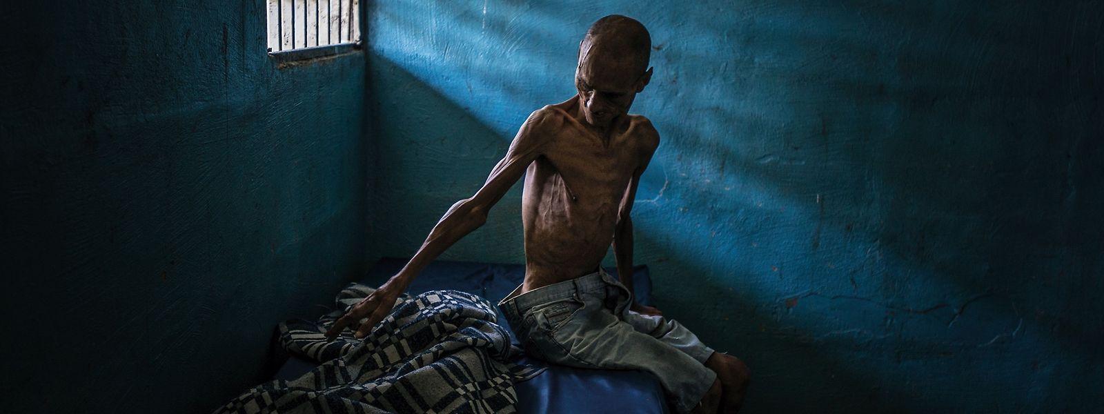 Mal traurige, mal grausame und dabei stets wahre Momentaufnahmen: Omar Mendoza, einer der Patienten einer psychiatrischen Klinik in Barquisimeto, Venezuela