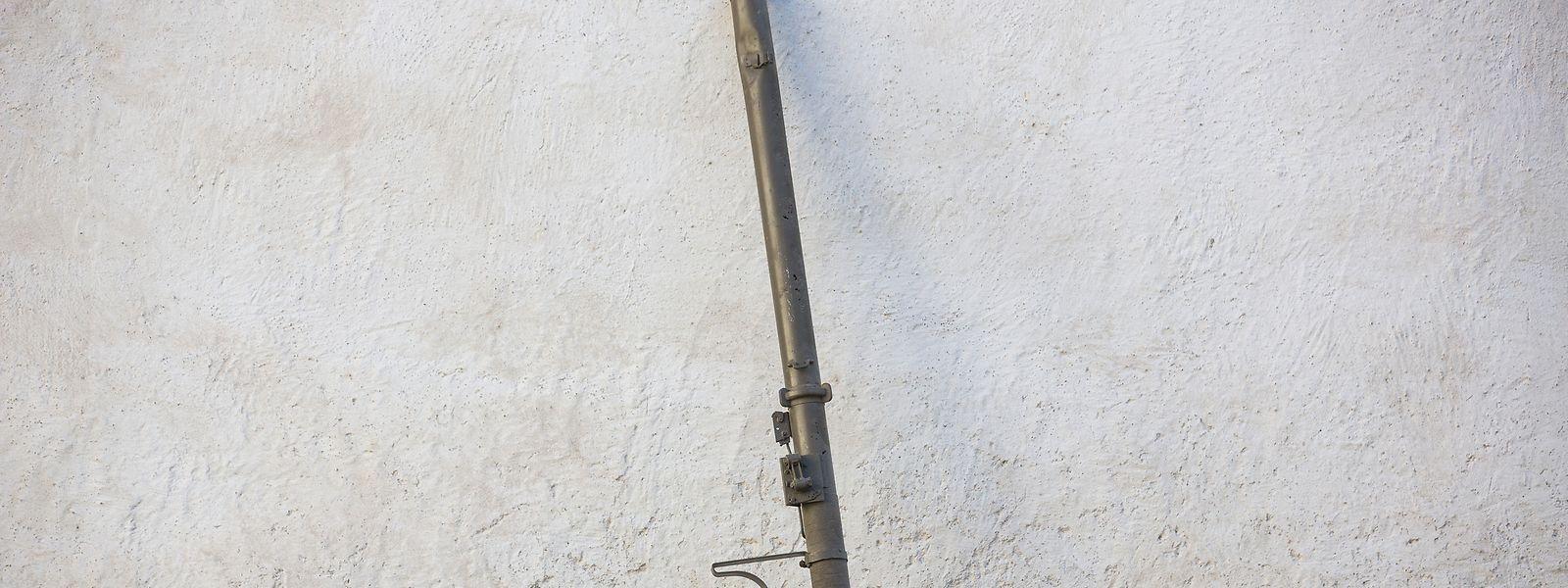 Die Bazooka, eine US-Panzerabwehrwaffe, hat ihren Nahmen von einem posaunenartigen Instrument, das der amerikanische Radio Komiker Bob Burns erfunden haben soll.