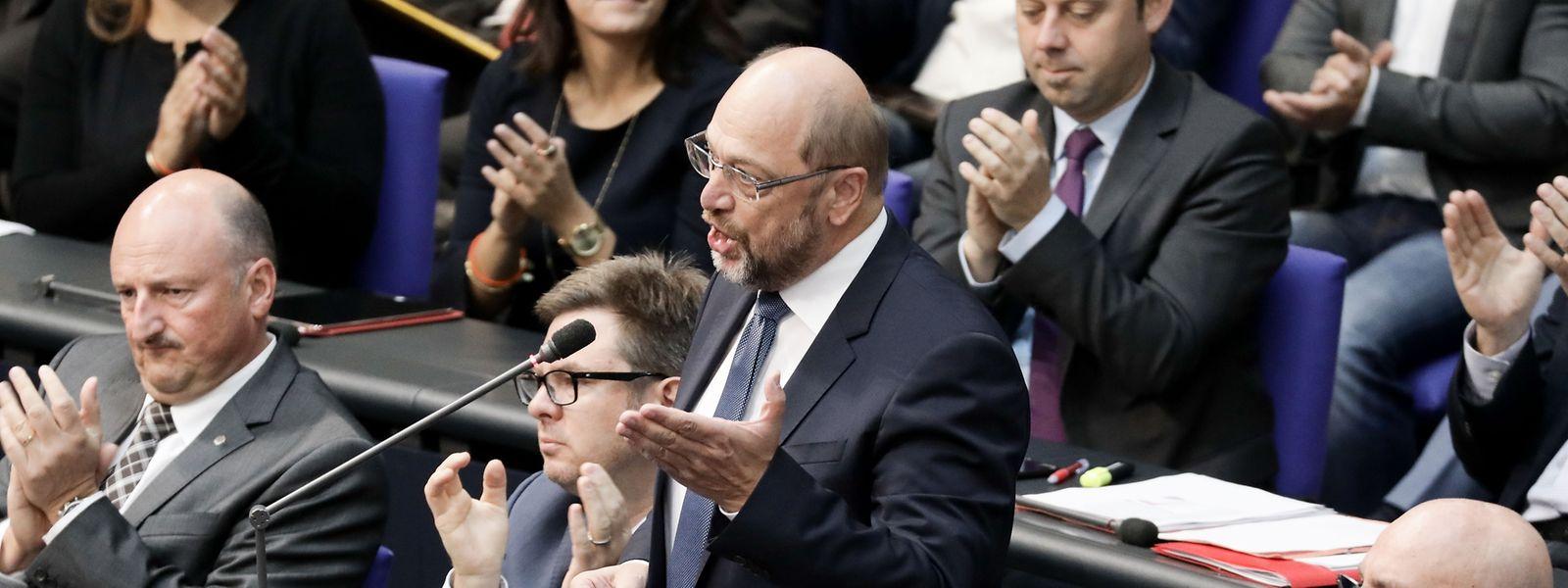 Martin Schulz hält im Deutschen Bundestag eine Wutrede gegen die AfD.