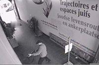 Der unbekannte Täter schoss mit einer Kalaschnikow-Maschinenpistole auf seine Opfer.