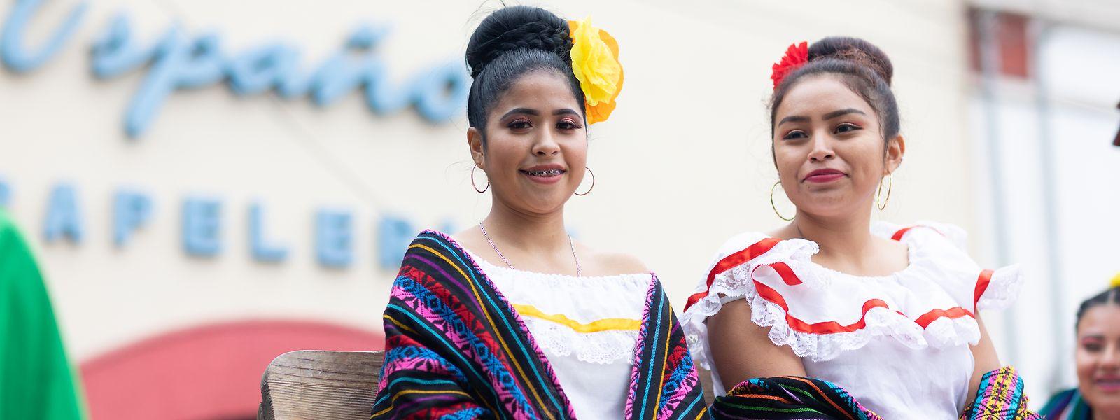 """Nordmexikos frauentypische """"Sarape-Umhänge"""" werden gerne von Modelabels kopiert."""