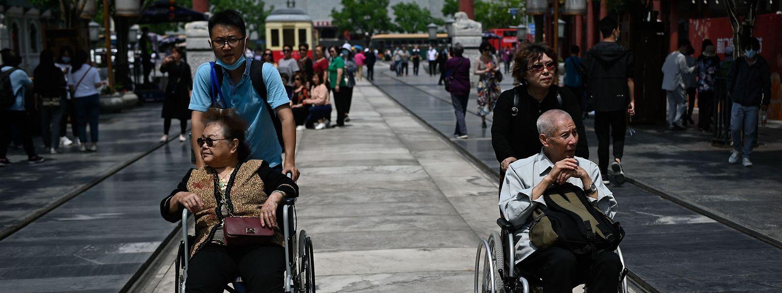 Alleine in den kommenden fünf Jahren werden 300 Millionen Chinesen das Rentenalter erreichen.
