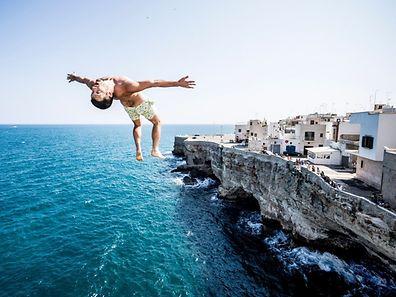 Was für ein Spektakel: Die weltbesten Cliff Diver messen sich aktuell in Italien.