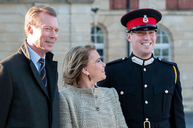 Prinz Sébastien mit seinen Eltern in Sandhurst.
