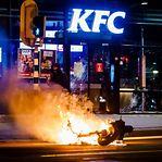 Mais de 150 pessoas detidas durante noite de confrontos nos Países Baixos