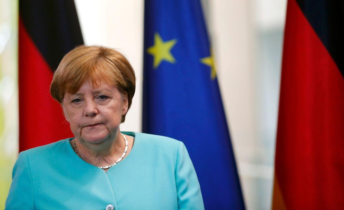Angela Merkel ruft in ihrer Ansprache zu mehr Besonnenheit auf.