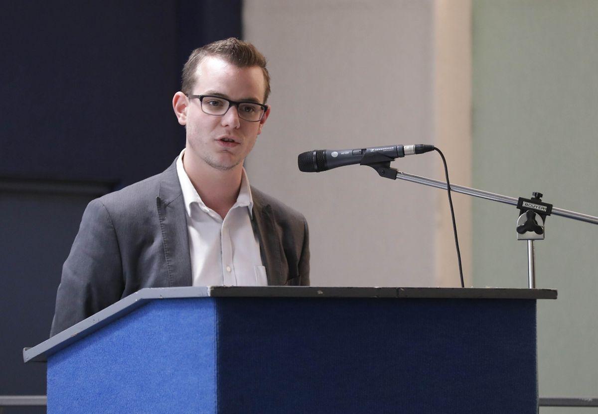 Le maire Les Républicains (droite), de Florange, Remy Dick, a dit espérer que le sujet ne sera pas à nouveau politisé à partir du 1er décembre.