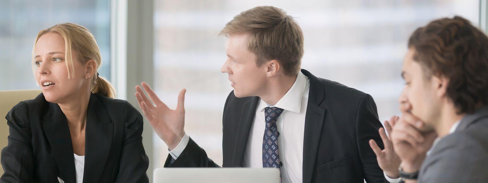 Un différend au travail peut naître de trois causes: l'interprétation, la contrainte ou le jugement.