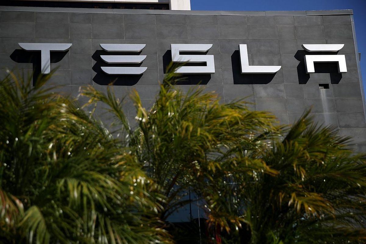 Tesla hat mit einer schleppenden Produktion zu kämpfen. Anleger sind enttäuscht.