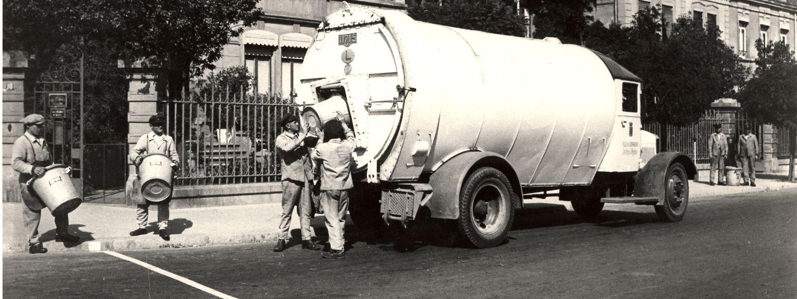 Im Jahre 1936 verfügte der Hygienedienst bereits über geschlossene Transporter, den den Geruch eindämmten, wie auf diesem Bild vom Boulevard Royal zu erkennen ist.