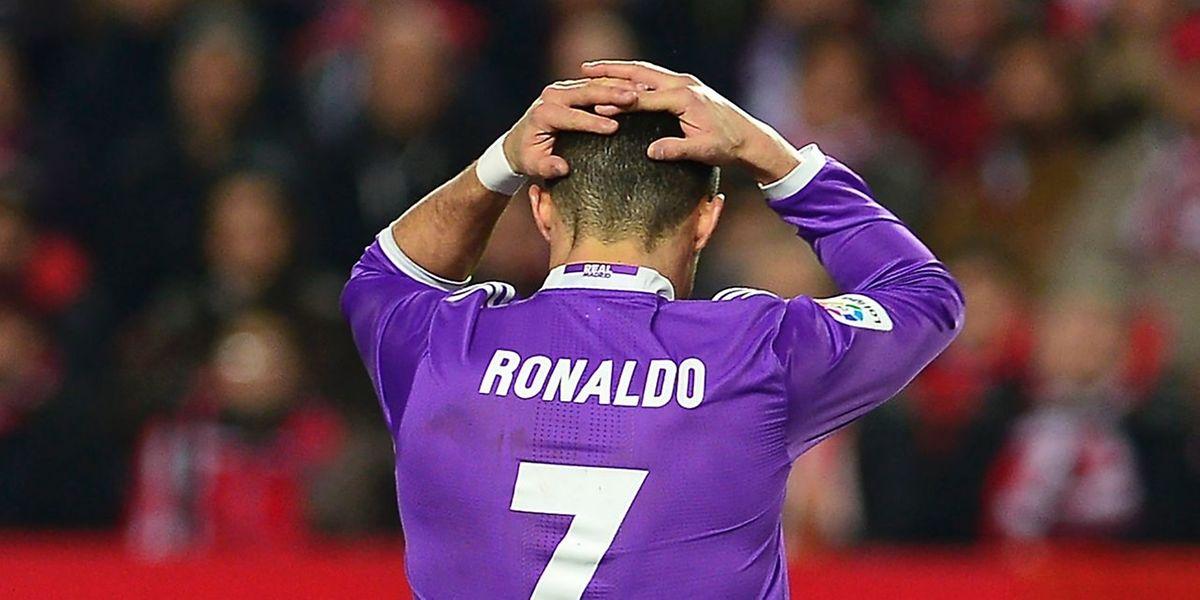 L'attaquant portugais Cristiano Ronaldo est visé par une plainte du parquet de Madrid pour une fraude fiscale présumée à hauteur de 14,7 millions d'euros.