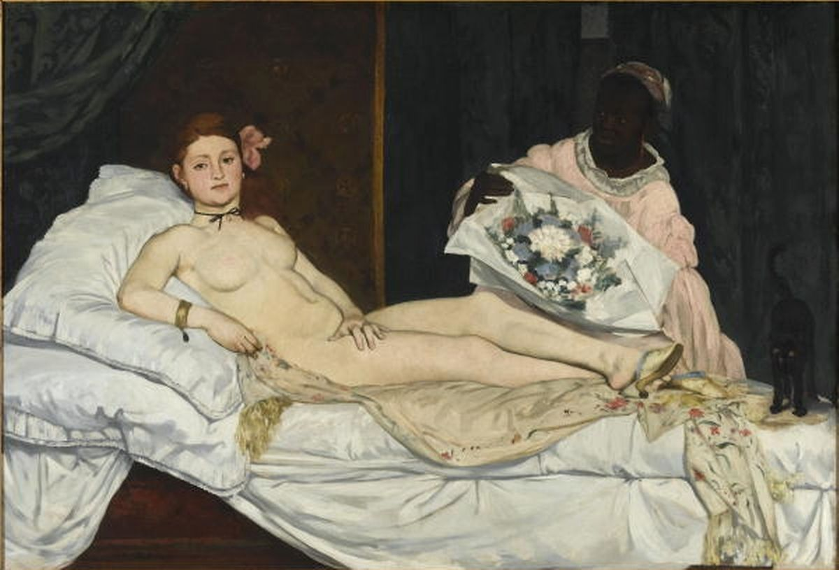 """Pour son action, l'artiste a reproduit en chair et en os le célèbre tableau d'Edouard Manet (1832-1883) """"Olympia"""", datant de 1863."""