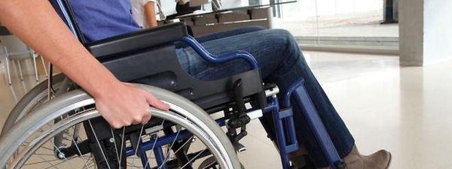 Actuellement, 12 gares et arrêts des CFL sont conformes et accessibles pour les personnes handicapées.