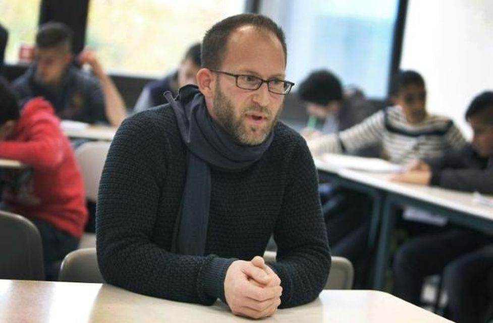 Teacher Michael Smiraglia faces huge challenges as he works with refugee students