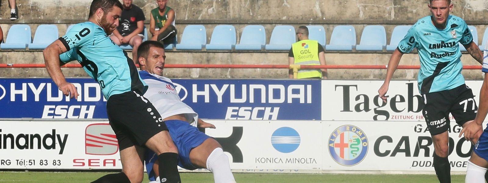 Nicolas Perez a hérité de deux occasions en début de match. L'attaquant français a été plus heureux en égalisant après l'heure de jeu.