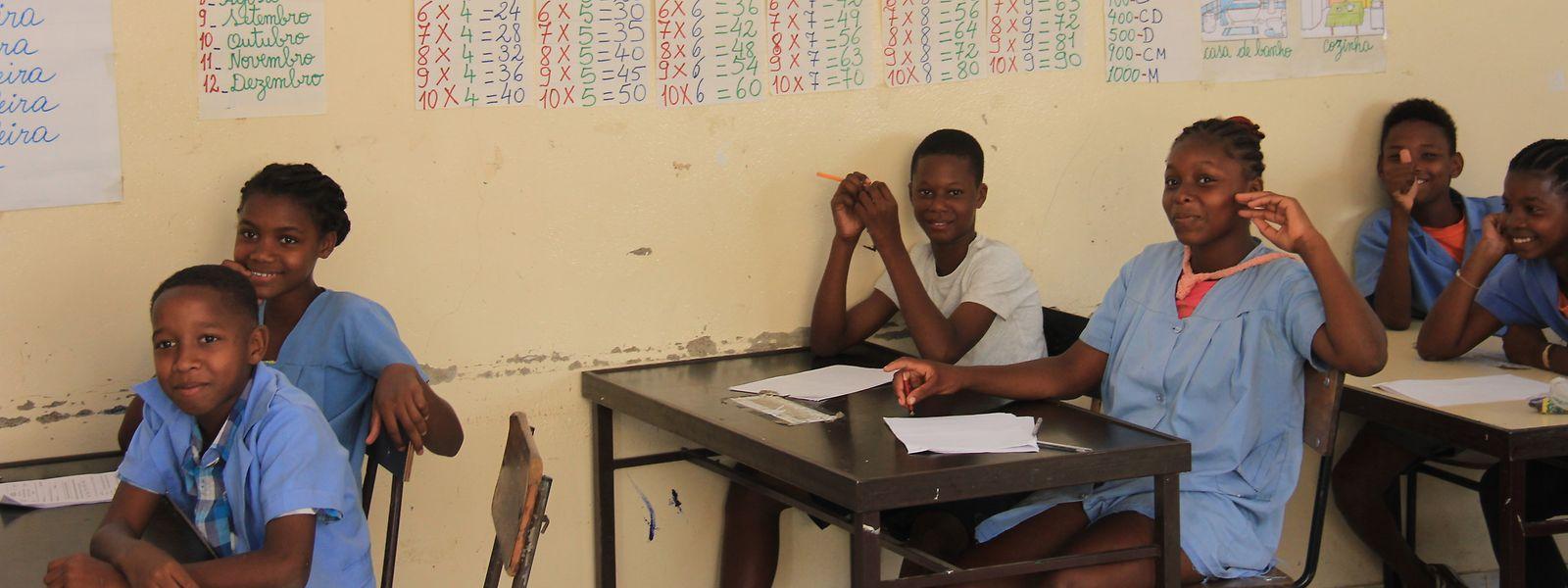 Auch in einer Grundschule in Ribeira Brava auf der kapverdischen Insel São Nicolau waren die Lehrer und Schüler des hauptstädtischen Kolléisch zu Besuch. (April 2014)