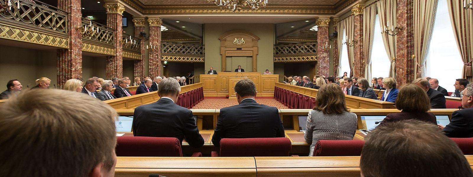 C'est lundi au plus tard que les députés doivent adopter les lois covid en séance plénière