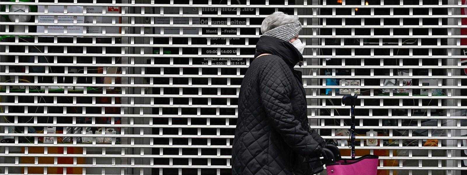 Le regain de la pandémie en fin d'année, avec son cortège de nouvelles restrictions en Europe, a douché les espoirs de reprise rapide de l'économie.