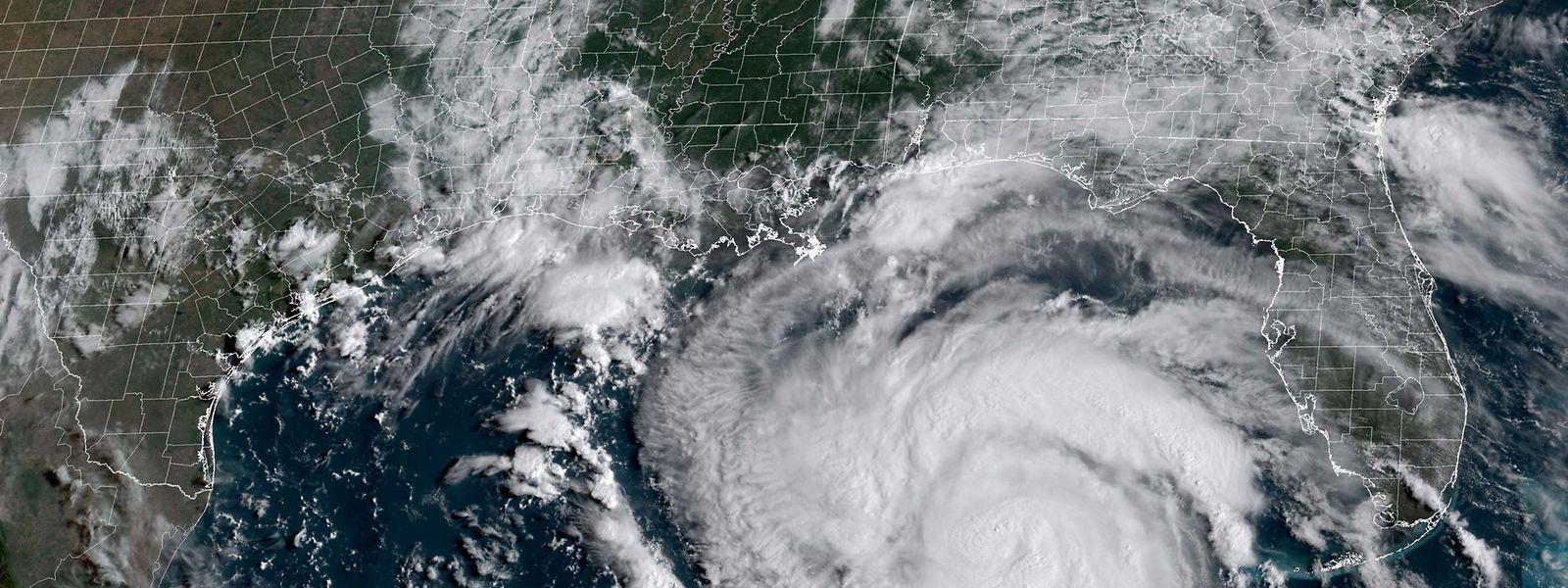 """Beim Eintreffen von """"Ida"""" in Louisiana könnte es sich Prognosen zufolge um einen Hurrikan der Stärke vier handeln."""