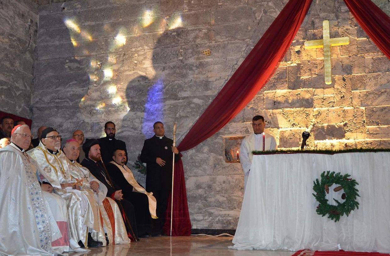 Hunderte Christen haben an der Messe teilgenommen.