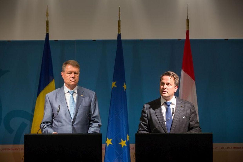 Staatspräsident Klaus Johannis und Premierminister Xavier Bettel auf der Pressekonferenz.