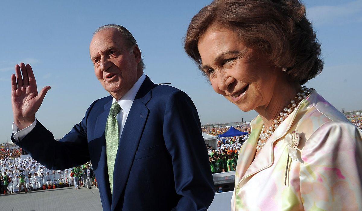 Ein seltenes Bild: Königin Sofia und König Juan Carlos von Spanien bei einem gemeinsamen Auftritt am 21. August 2011 in Madrid.