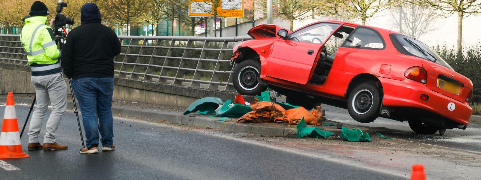 Der Unfall geschah an der Unterführung zur Autobahn A4 nach Esch/Alzette.
