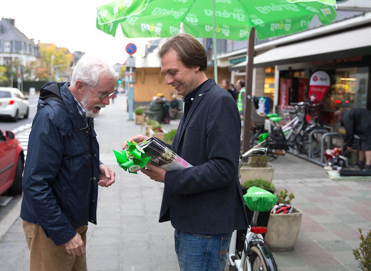En 2017, la section locale de Luxembourg-Ville de déi gréng le désigne avec Sam Tanson, tête de liste pour les élections communales où il a mené une campagne très engagée.