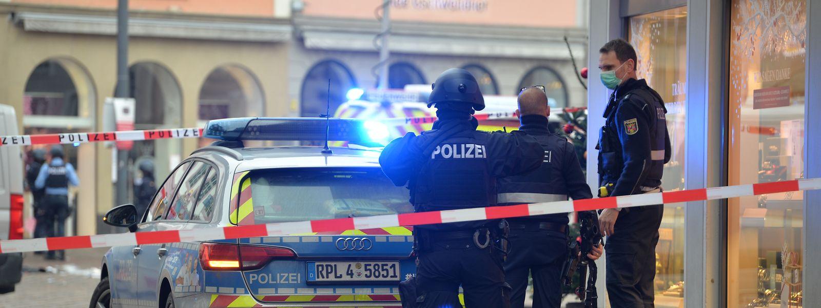 Die Polizei konnte den mutmaßlichen Täter direkt nach der Tat festnehmen. Wie es weiter geht ist Sache der Staatsanwaltschaft - und eines psychiatrischen Gutachtens.