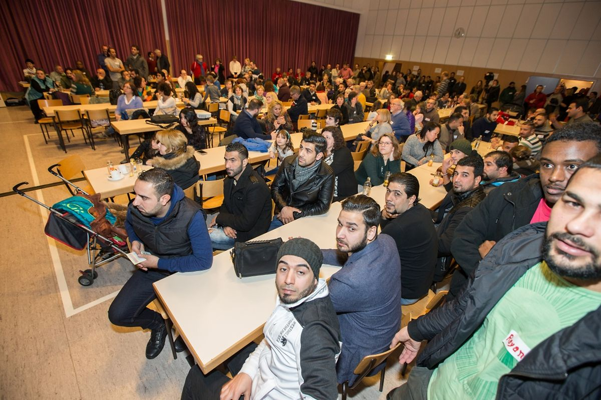 "Bis zu 200 Personen nahmen schätzungsweise am ""Meet and Greet"" teil."