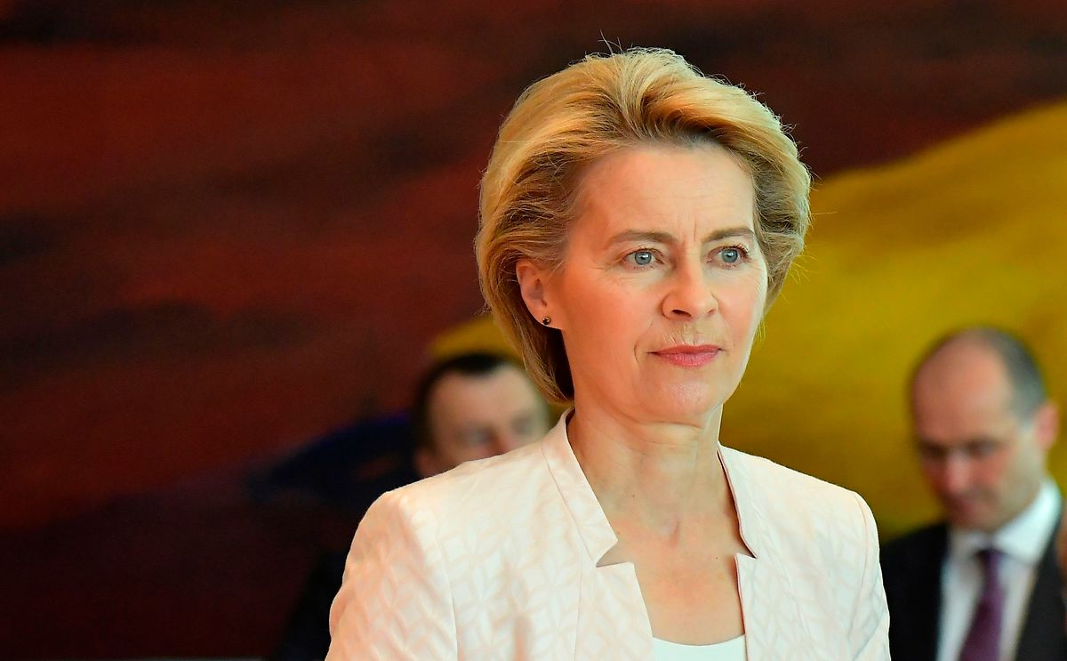 Ursula von der Leyen passera un grand oral devant le Parlement à Strasbourg.