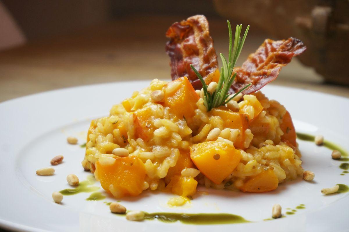 Das Risotto ist genau richtig, wenn es eine cremige Konsistenz, der Reis aber noch etwas Biss hat.