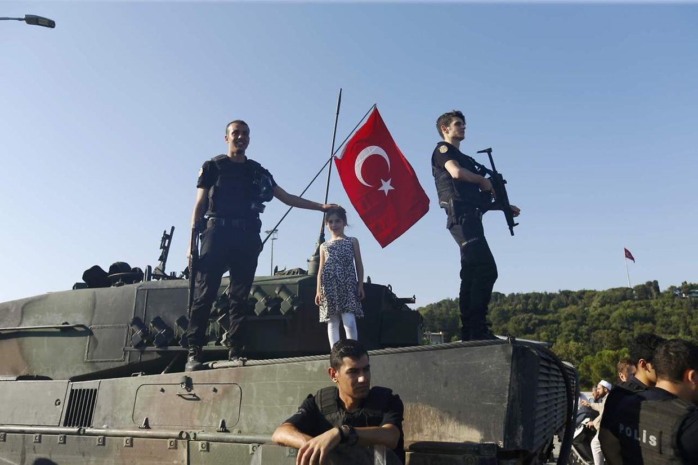 Weite Teile der türkischen Bevölkerung stellten sich den Putschisten in den Weg.