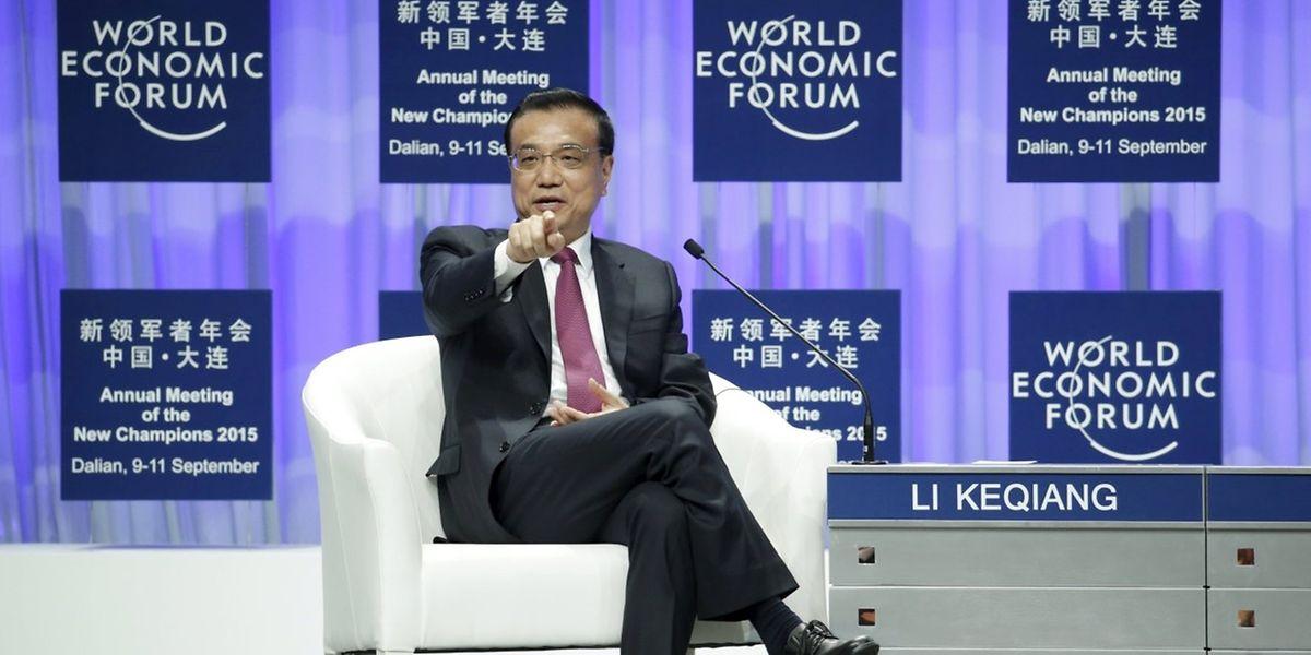 In seiner Rede beim Weltwirtschaftsforum in der nordostchinesischen Hafenstadt Dalian versicherte Li Keqiang, sein Land werde alles dafür tun, dass es zu keiner harten Landung kommt.